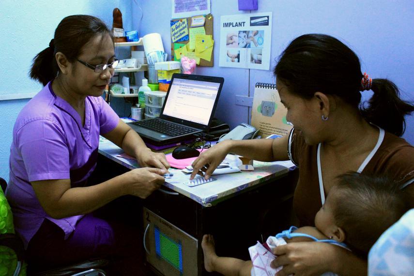 Planification familiale dans un centre de santé communautaire de Manille.