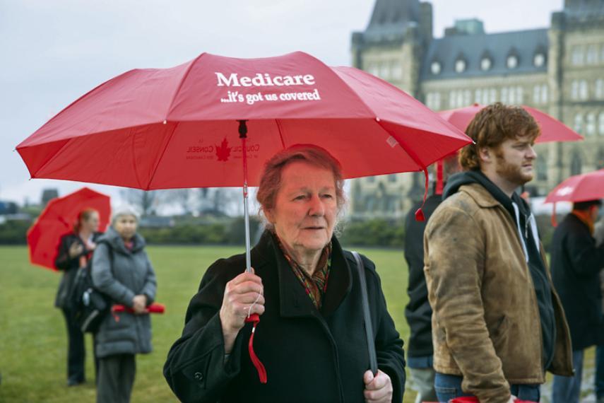 Mary Boyd : militante de longue date pour la justice sociale et présidente de la Prince Edward Island Health Coalition, à Ottawa lors de la Semaine nationale de l'assurance maladie 2012
