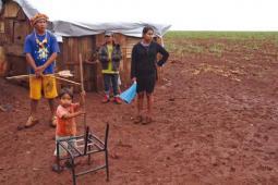 Paysans expulsés de leur terre